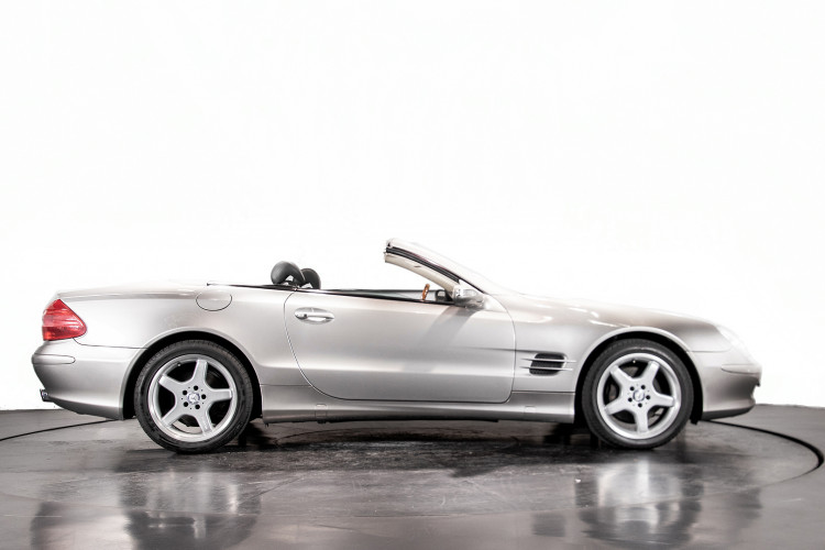 2004 Mercedes-Benz SL500 54