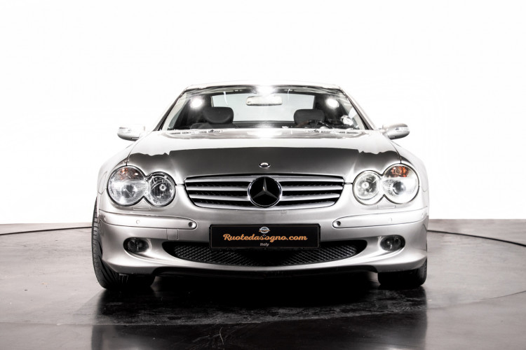 2004 Mercedes-Benz SL500 0