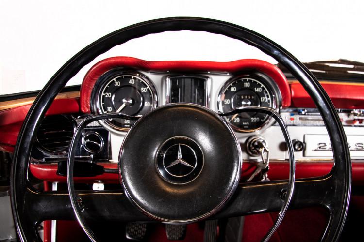 "1966 Mercedes-Benz 230 SL ""Pagoda"" 11"