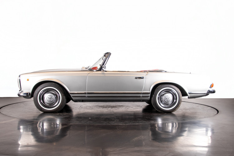 "1966 Mercedes-Benz 230 SL ""Pagoda"" 0"