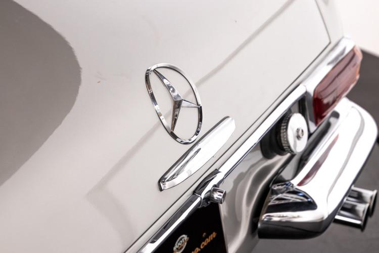 "1966 Mercedes-Benz 230 SL ""Pagoda"" 33"