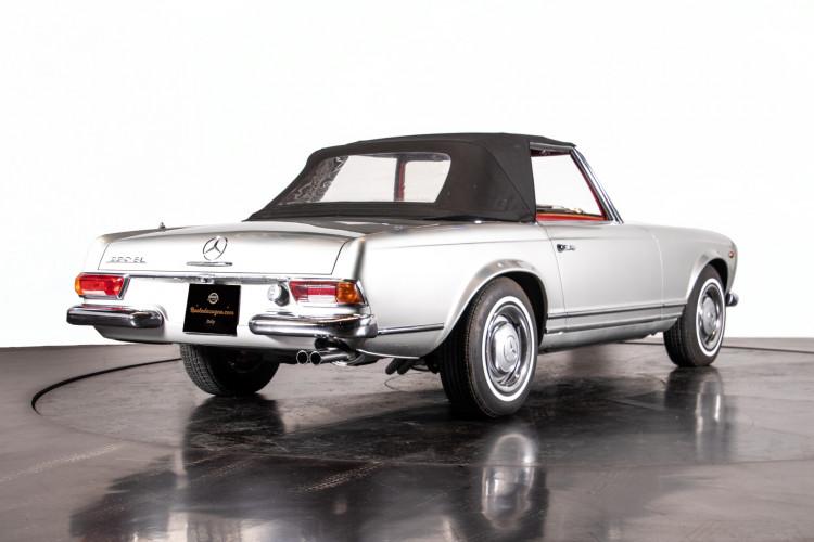 "1966 Mercedes-Benz 230 SL ""Pagoda"" 40"