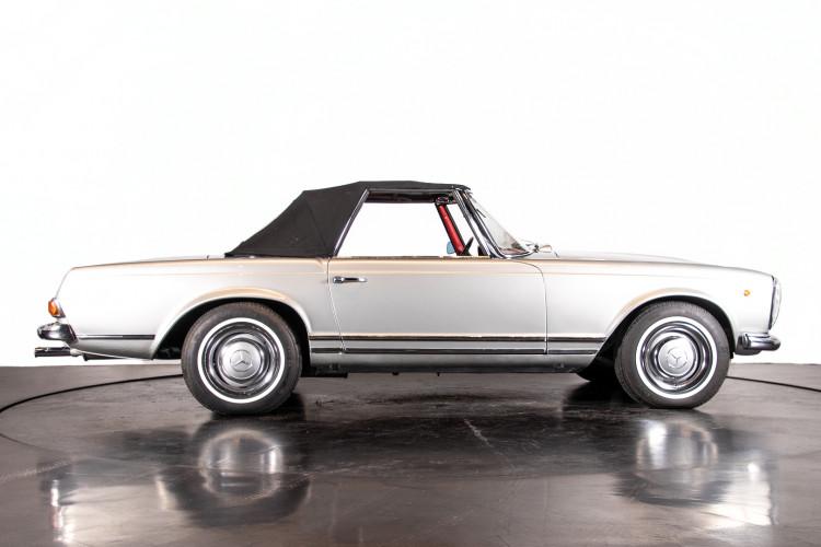 "1966 Mercedes-Benz 230 SL ""Pagoda"" 41"