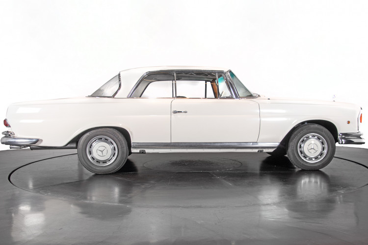 1963 Mercedes-Benz 220 SE 11