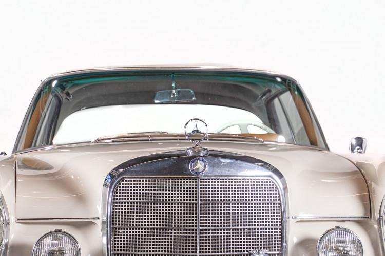 1963 Mercedes-Benz 220 SE 10