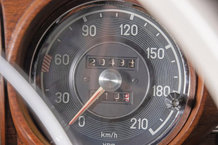 1963 Mercedes-Benz 220 SE 22