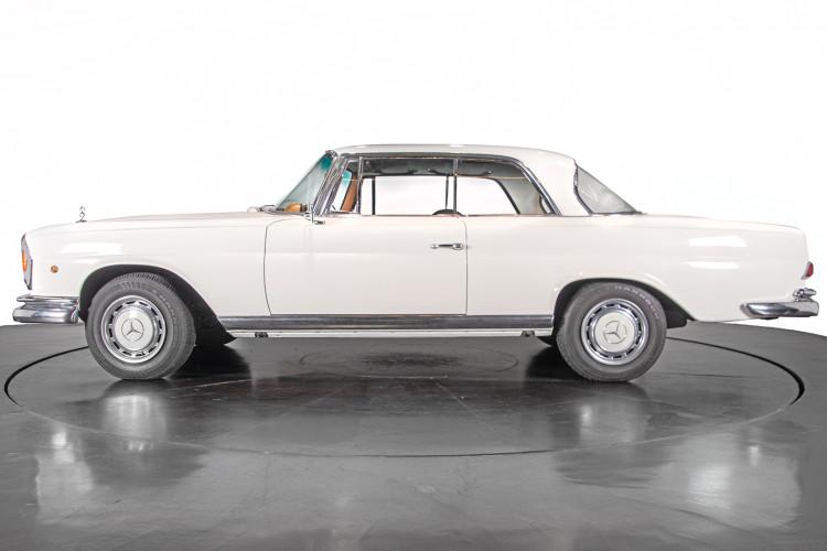 1963 Mercedes-Benz 220 SE 3