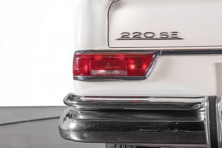 1963 Mercedes-Benz 220 SE 7