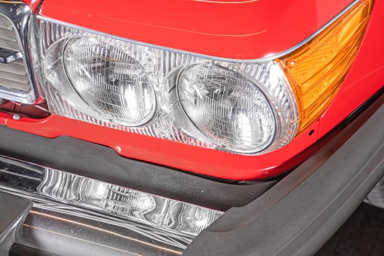 1985 Mercedes-Benz SL 560 11