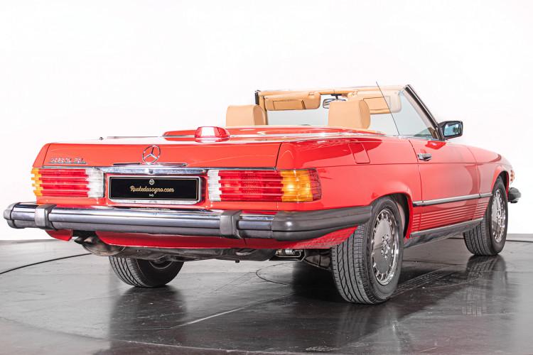 1985 Mercedes-Benz SL 560 24