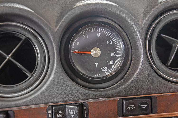 1985 Mercedes-Benz SL 560 39