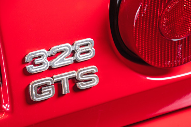 1986 Ferrari 328 GTS 15