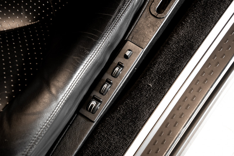 2000 Mercedes Benz SL500 Blue Edition 40