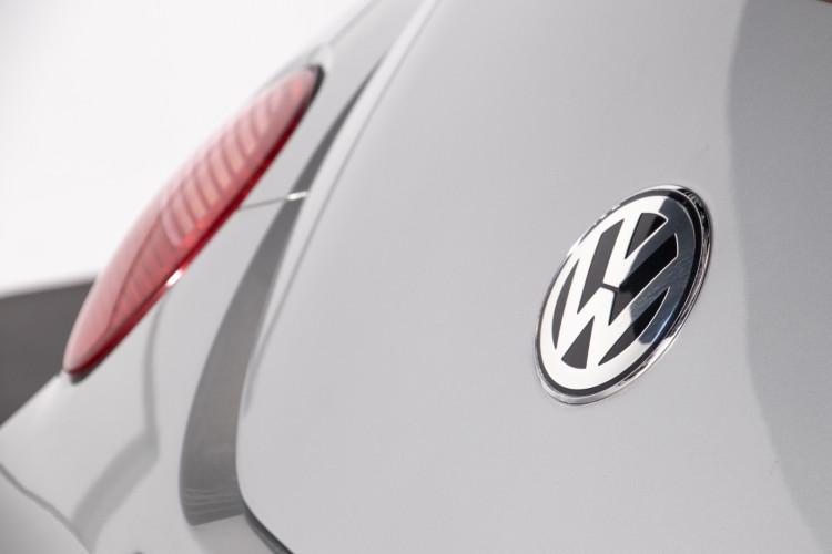 2004 Volkswagen New Beetle Cabriolet 9