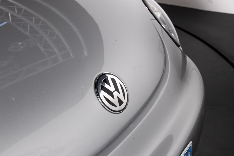 2004 Volkswagen New Beetle Cabriolet 10
