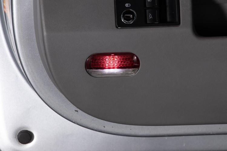 2004 Volkswagen New Beetle Cabriolet 15