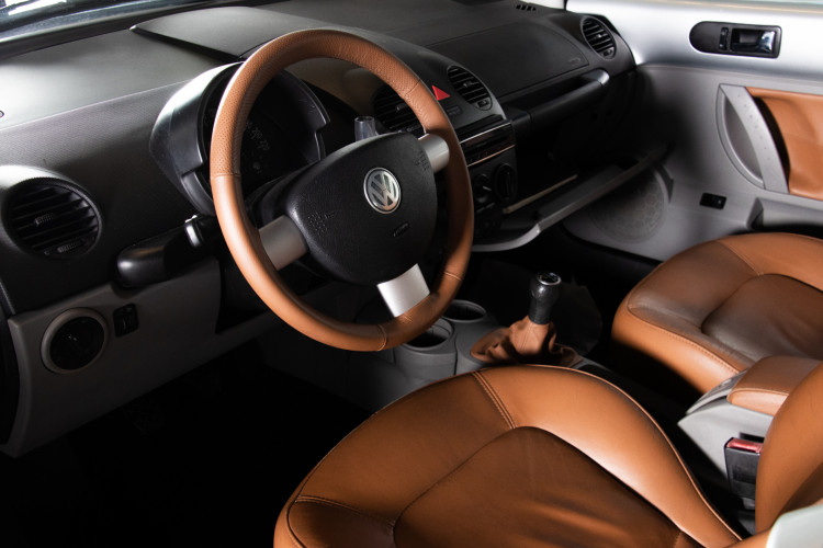 2004 Volkswagen New Beetle Cabriolet 18