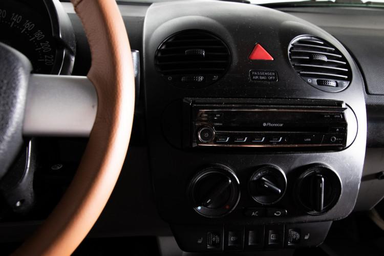 2004 Volkswagen New Beetle Cabriolet 26