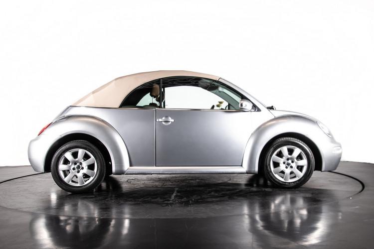 2004 Volkswagen New Beetle Cabriolet 5