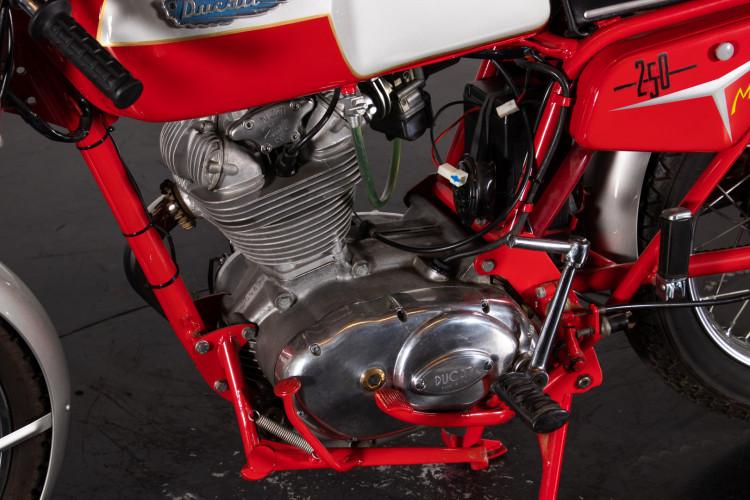 1969 Ducati 250 13