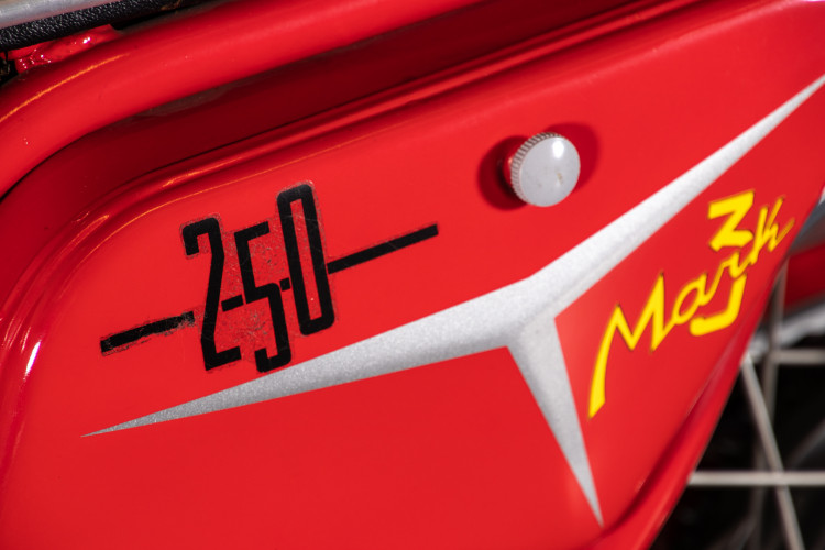 1969 Ducati 250 14
