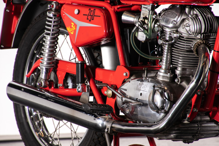 1969 Ducati 250 7