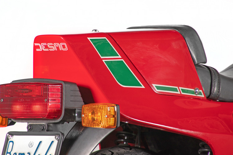 1983 Ducati 900 MIKE HAILWOOD REPLICA 9