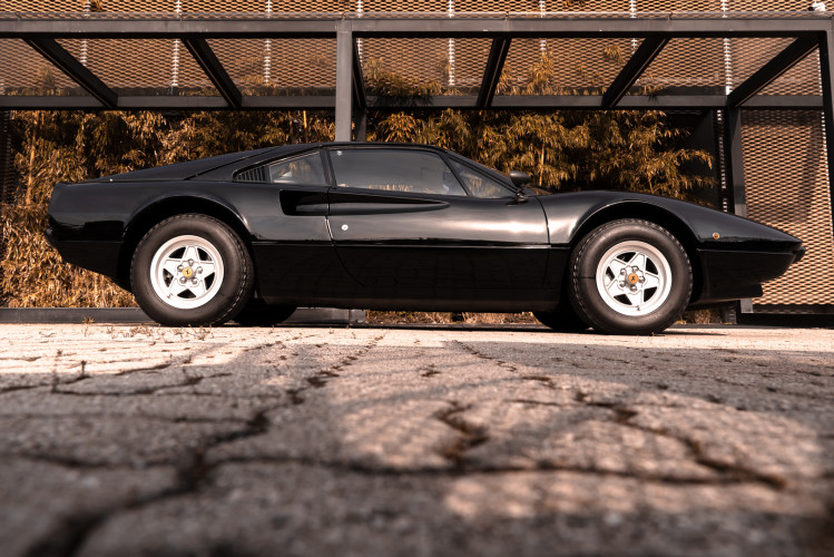 1980 Ferrari 208 GTB Carburatori 12