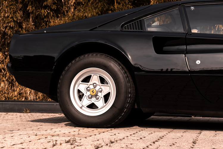 1980 Ferrari 208 GTB Carburatori 19