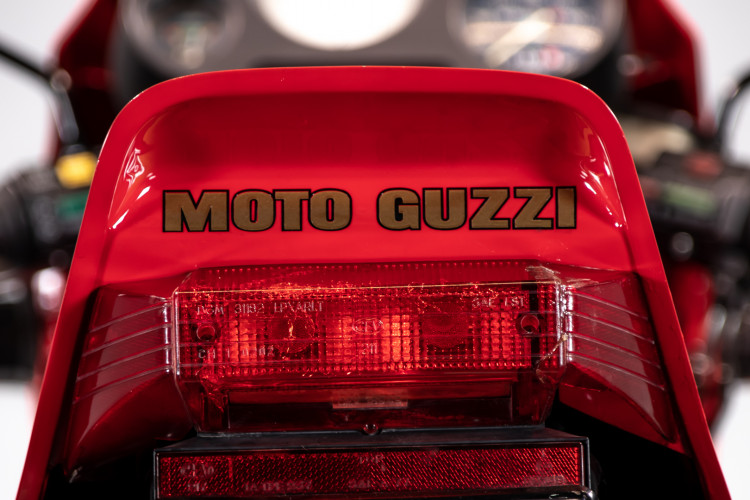 1985 Moto Guzzi le mans 1000 28