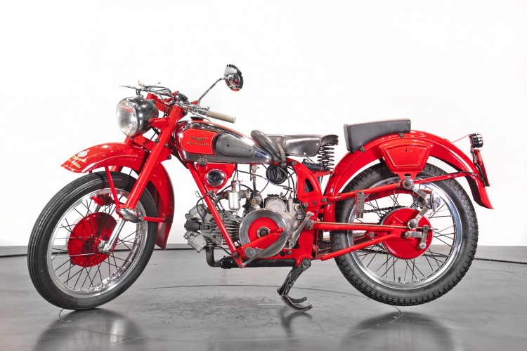 1950 Moto Guzzi 250 0