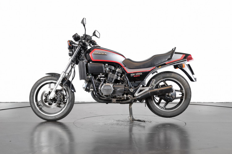 1985 Honda VF 750 0