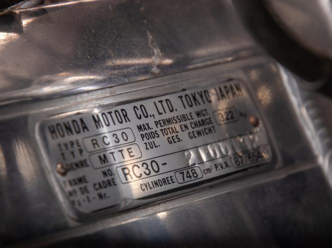 1988 Honda RC 30 DA CORSA 13
