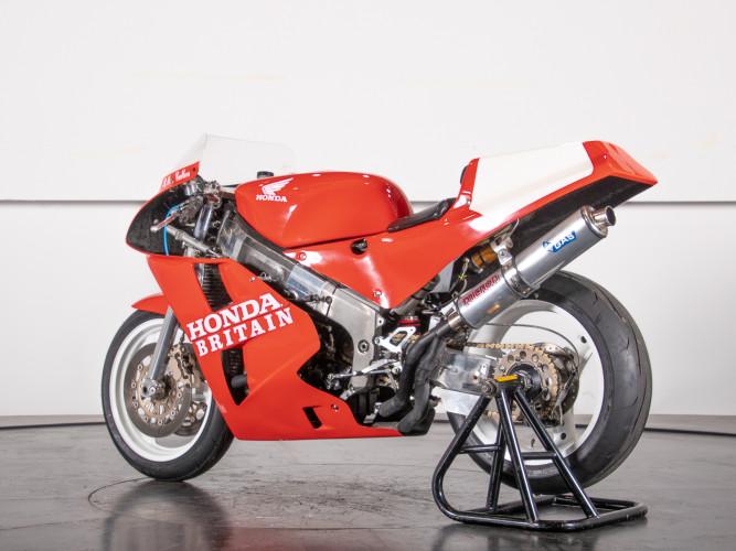 1988 Honda RC 30 DA CORSA 1