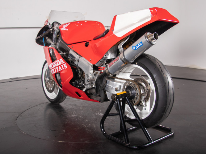 1988 Honda RC 30 DA CORSA 6