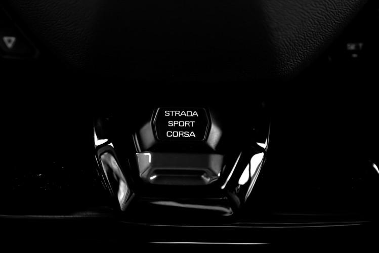 2021 Lamborghini Huracan EVO 40
