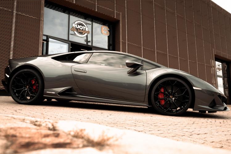 2021 Lamborghini Huracan EVO 9