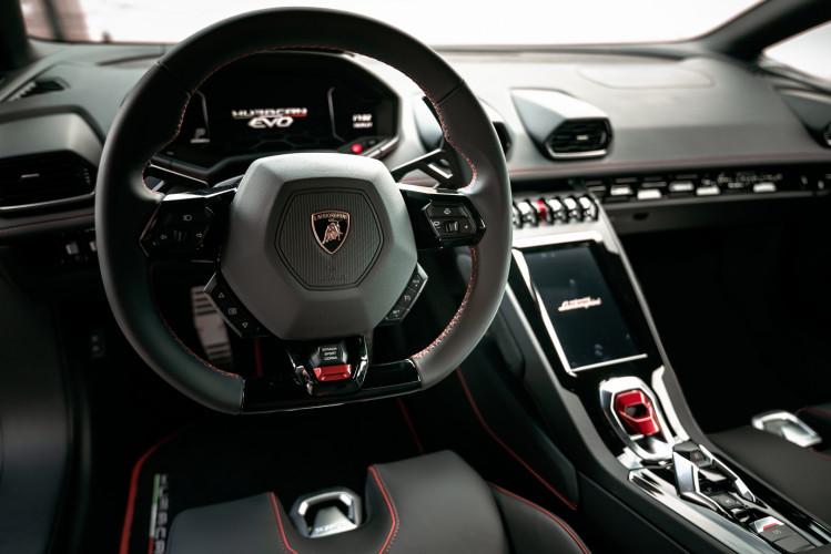 2021 Lamborghini Huracan EVO 30