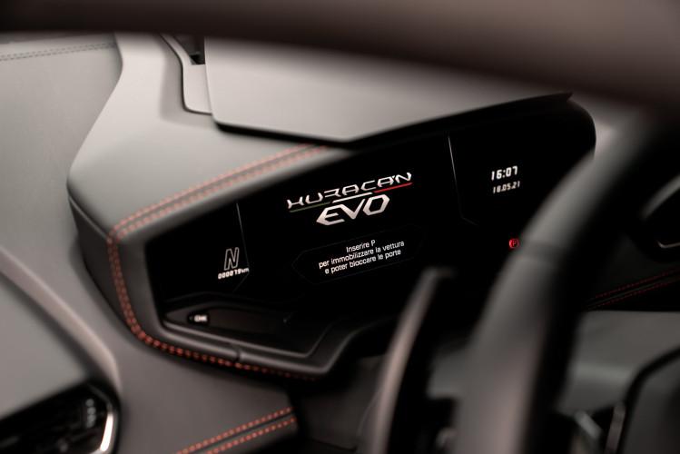 2021 Lamborghini Huracan EVO 34