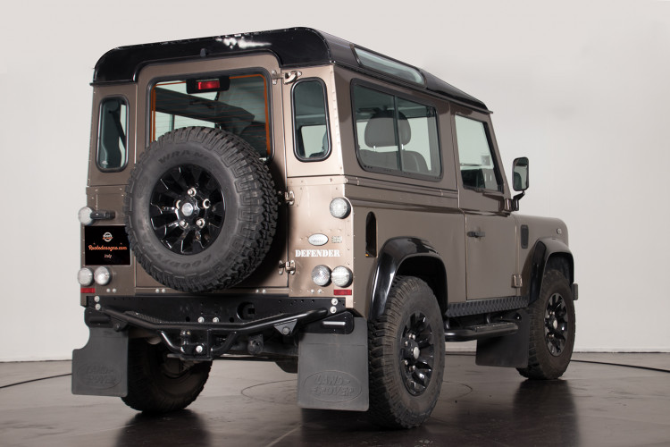 "2013 Land Rover DEFENDER ""limited edition"" 4"