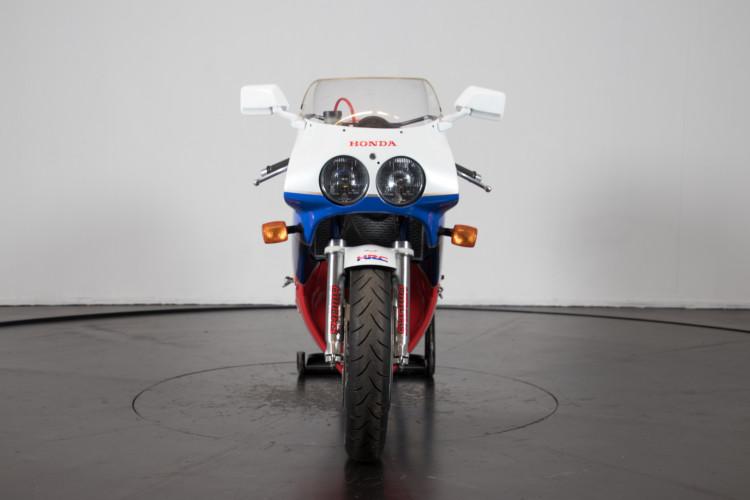 1992 Honda RC 30 2