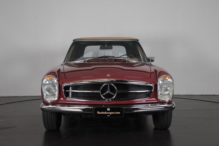 1985 Mercedes-Benz 280 SL 1