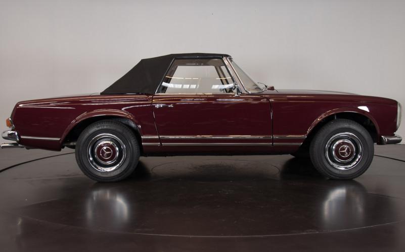 1963 Mercedes-Benz 230 SL 4