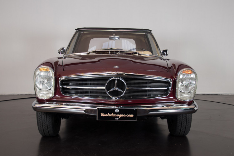 1963 Mercedes-Benz 230 SL 1