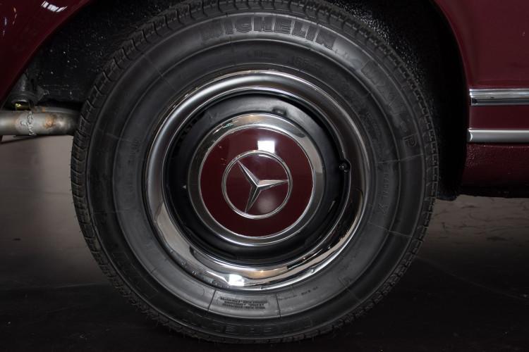 1963 Mercedes-Benz 230 SL 6