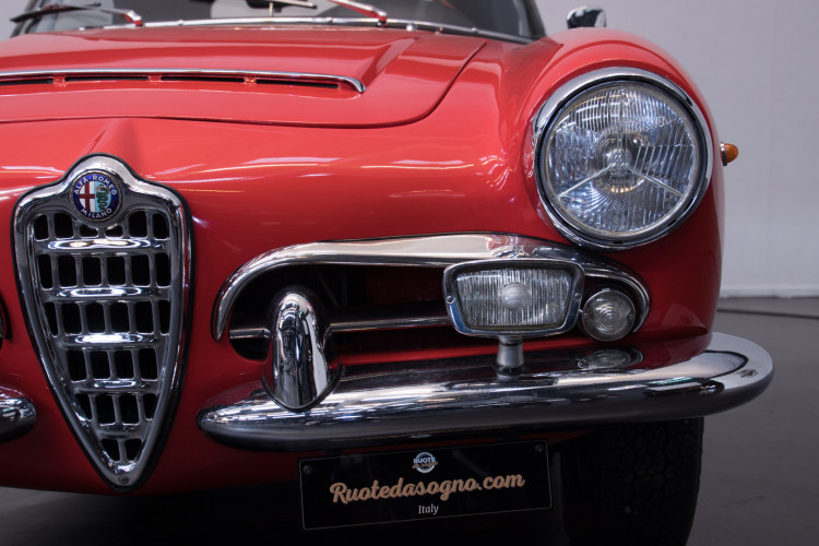 1964 Alfa Romeo Giulia 1600 Spider 11