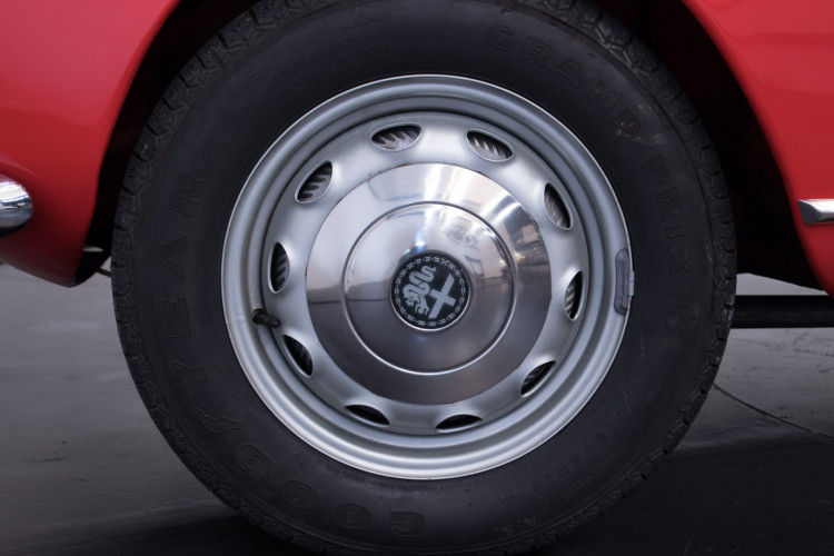 1964 Alfa Romeo Giulia 1600 Spider 14