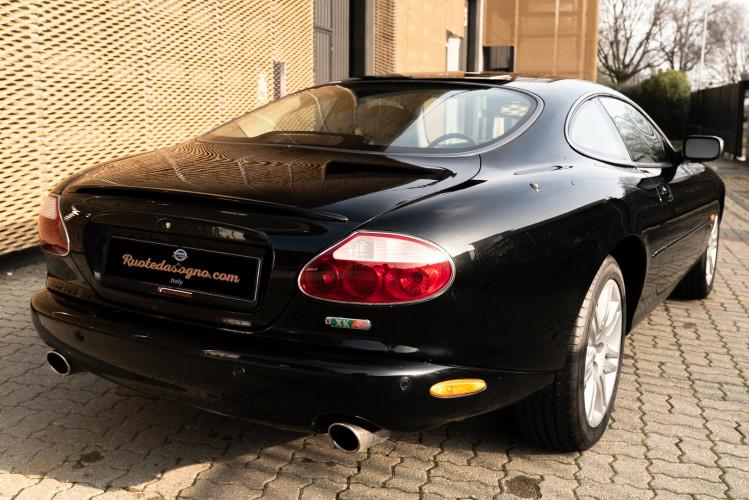 2002 Jaguar 4.2 XKR Coupé 4