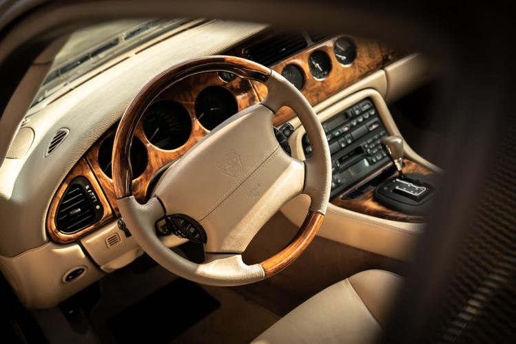 2002 Jaguar 4.2 XKR Coupé 28