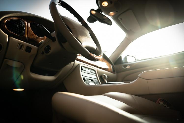 2002 Jaguar 4.2 XKR Coupé 29